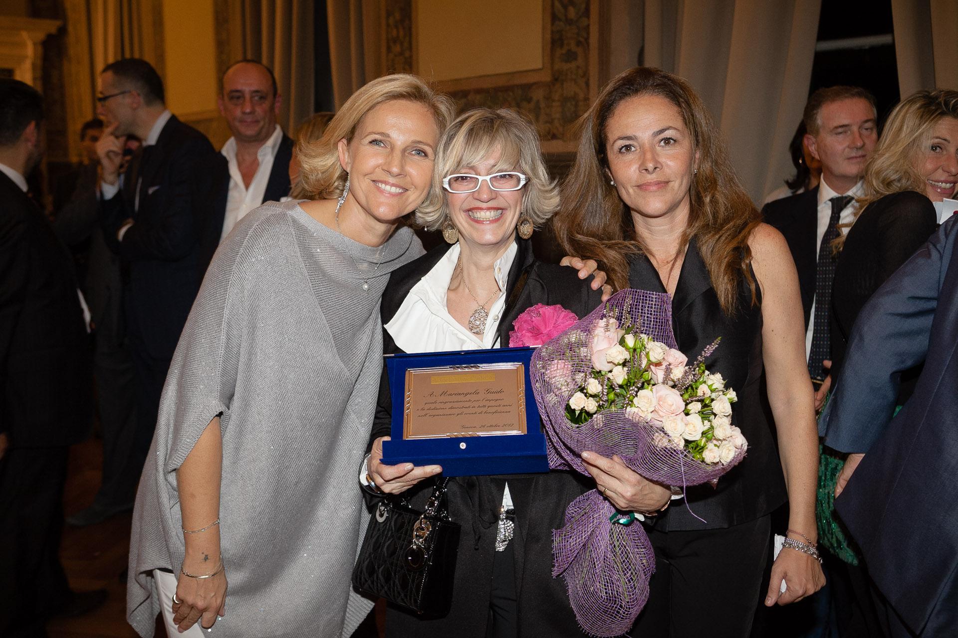 Foto Charity Chicca e Claudia Targa