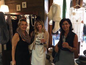 Cose Belle Giovanna Vietti con clienti evento unicaderma