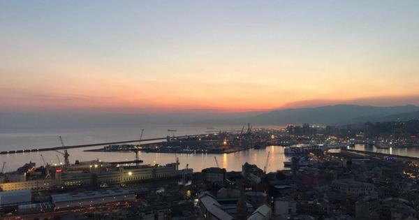 Un Sogno In Volo Su Genova Terrazza Colombo Da Cartolina